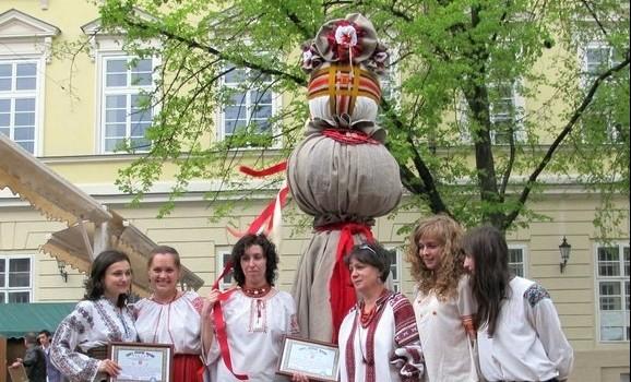 Львівська лялька-мотанка