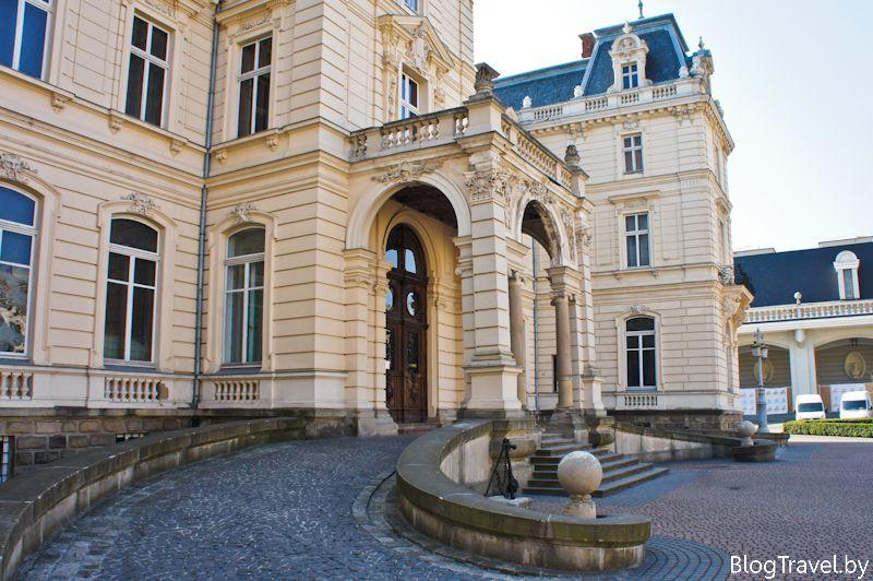 портик дворца